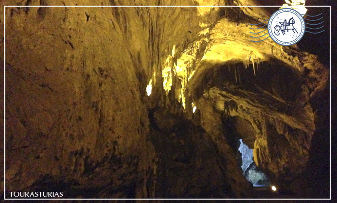 La Cuevona, una joya natural en el oriente de Asturias