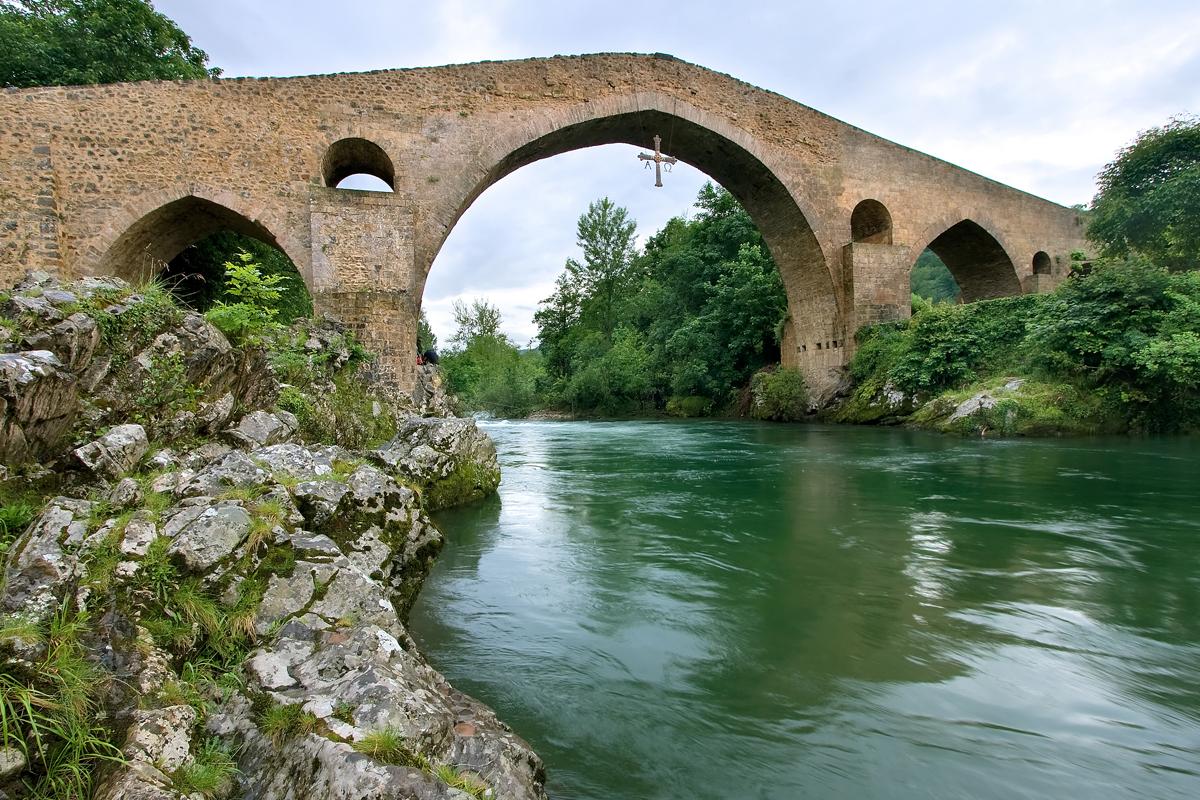 Visita guiada a Cangas de Onís en Asturias