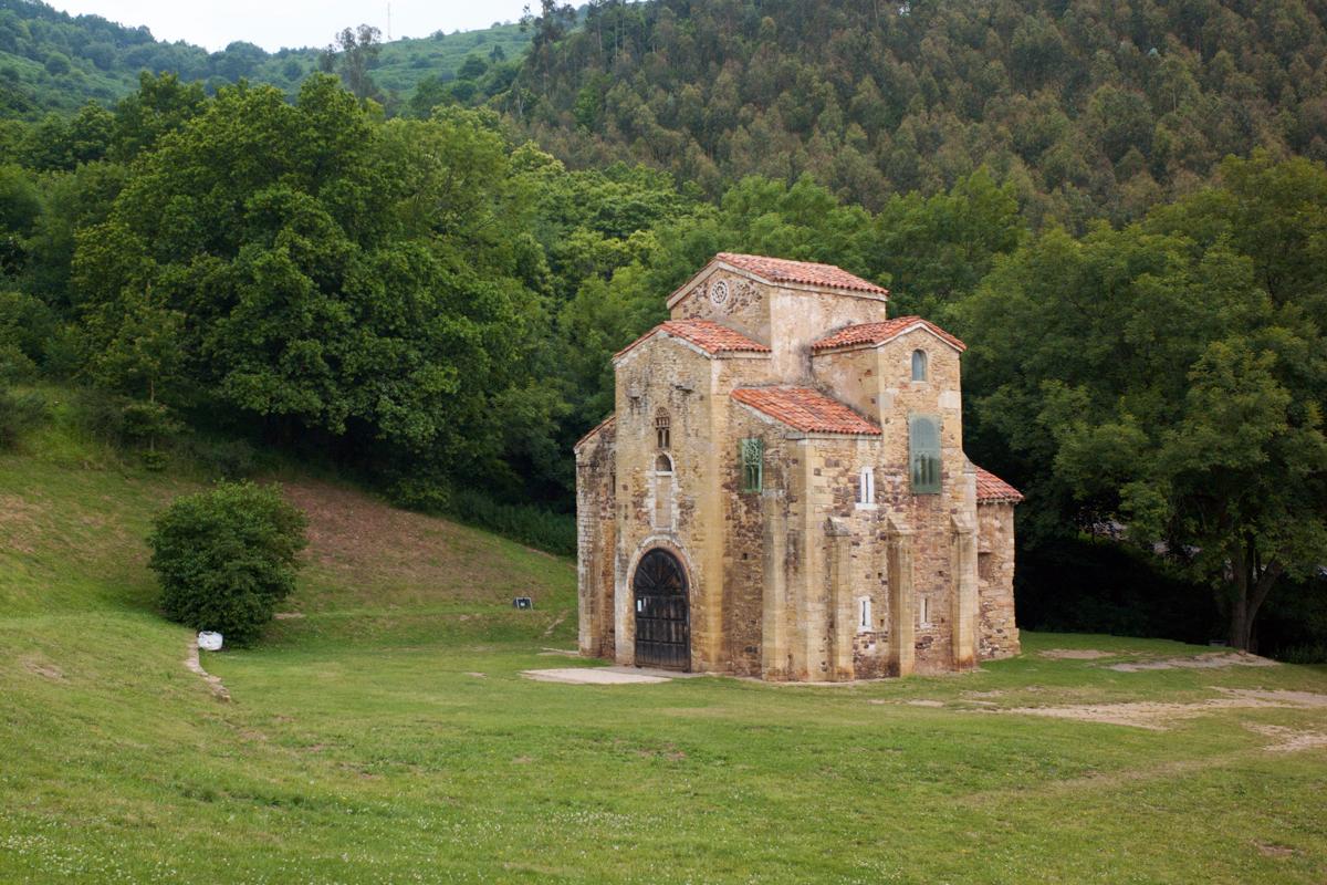 Visita guiada a San Miguel de Lillo